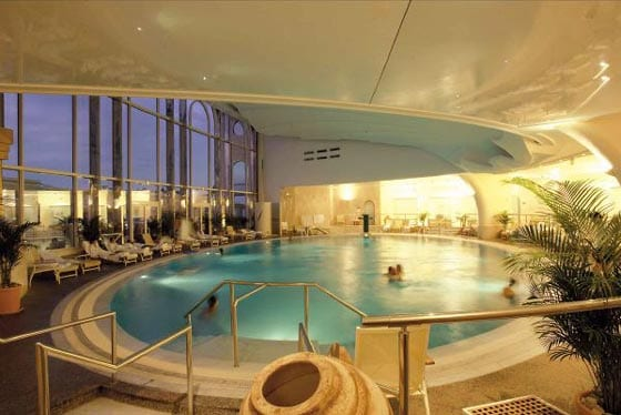 Monte carlo h tel de paris for Piscine hotel paris