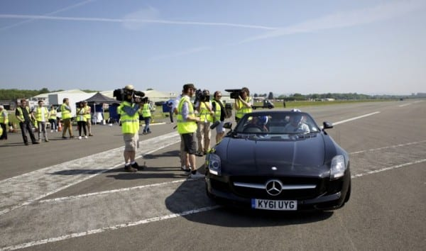 SLS AMG + 178MPH Golf Ball World's farthest golf shot (3)