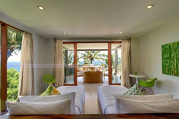 Malimbu Cliff Villa on Indonesia's Lombok Island (1)