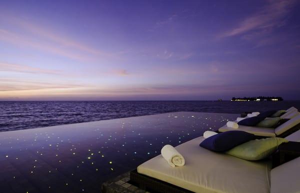 Jumeirah-Dhevanafushi-Johara-Restaurant-Pool-View1.jpg (600×386)