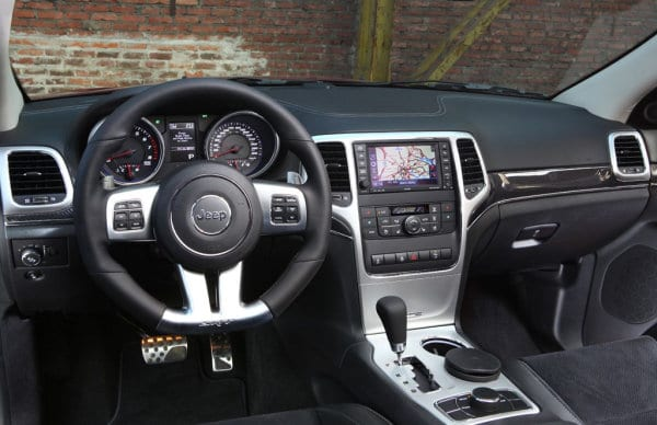 Jeep Grand Cherokee SRT Limited Edition white (9)