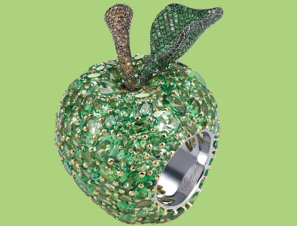 chopard A DELECTABLE APPLE RING