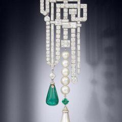Van Cleef & Arpels brooch sold for $1.83 million
