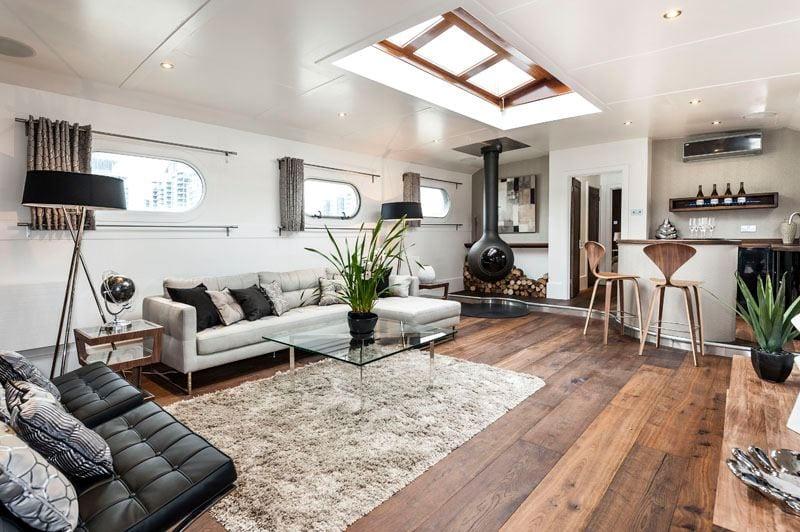 luxury-boat-oyster-pier-vega-003