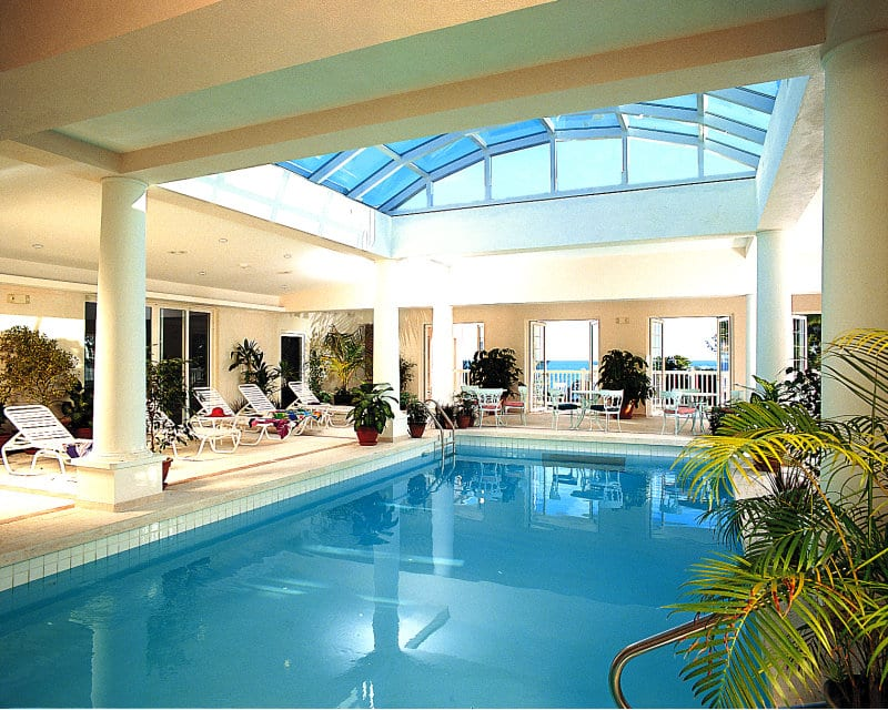 Cambridge Beaches Resort & Spa – Bermuda inside pool