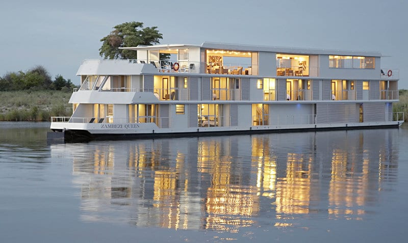 luxury-river-Zambezi-Queen