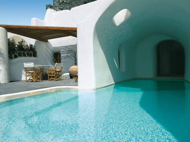 santorini oia Perivolas outside pool